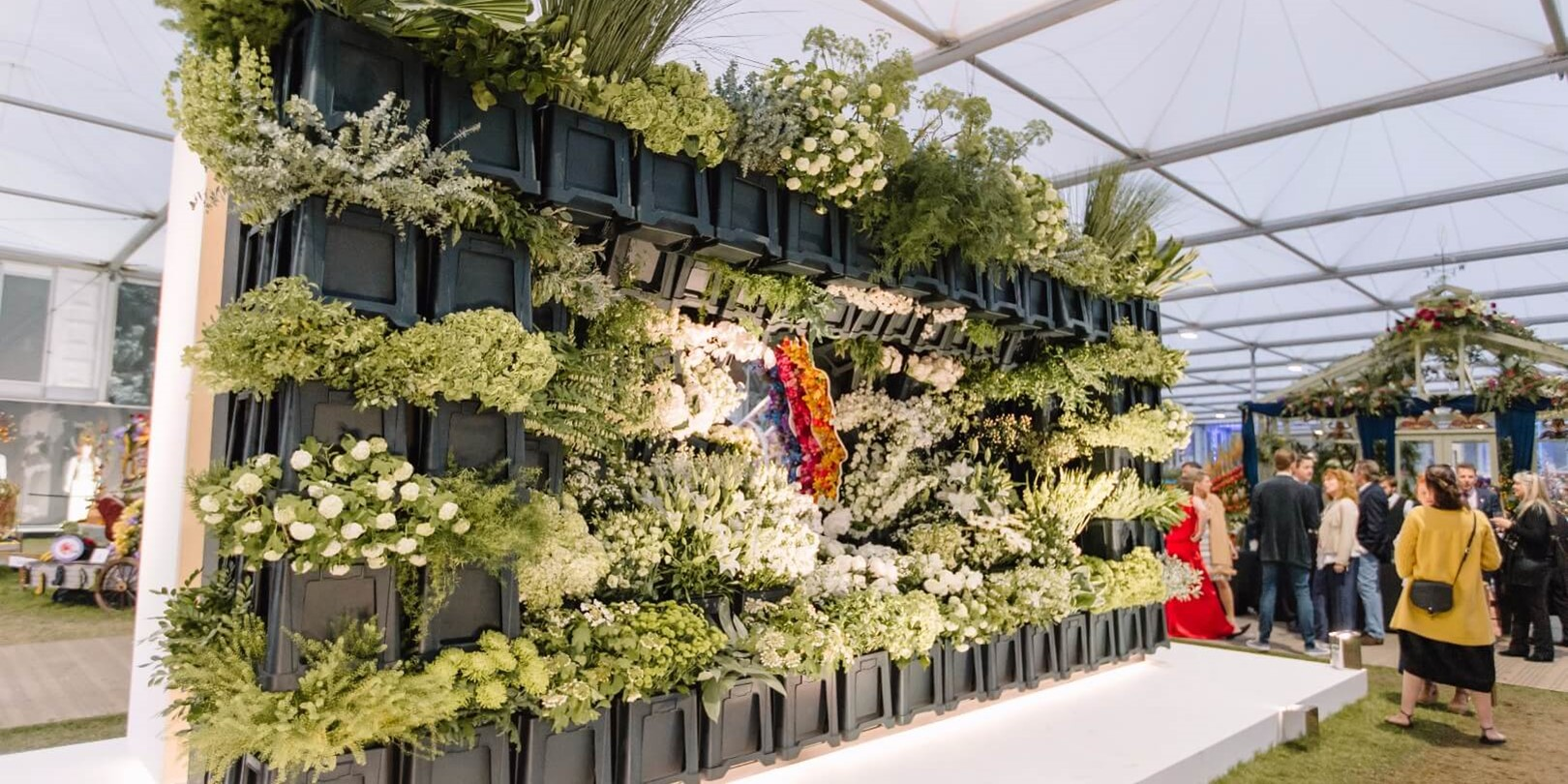 Veevers Carter_Floral Design_Styling_Installation_RHS_Chelsea_Flower_Show_2016_Queen_2.jpg
